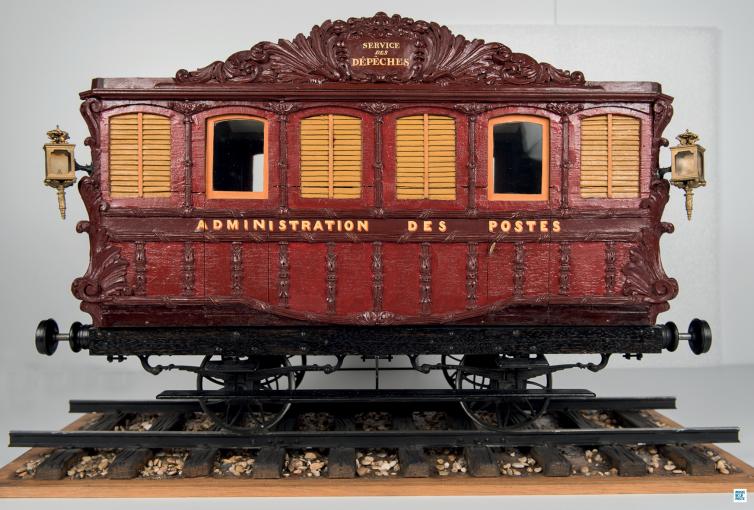 Prévot, maquettiste décorateur -Modèle réduit du wagon-poste Paris-Rouen 1845