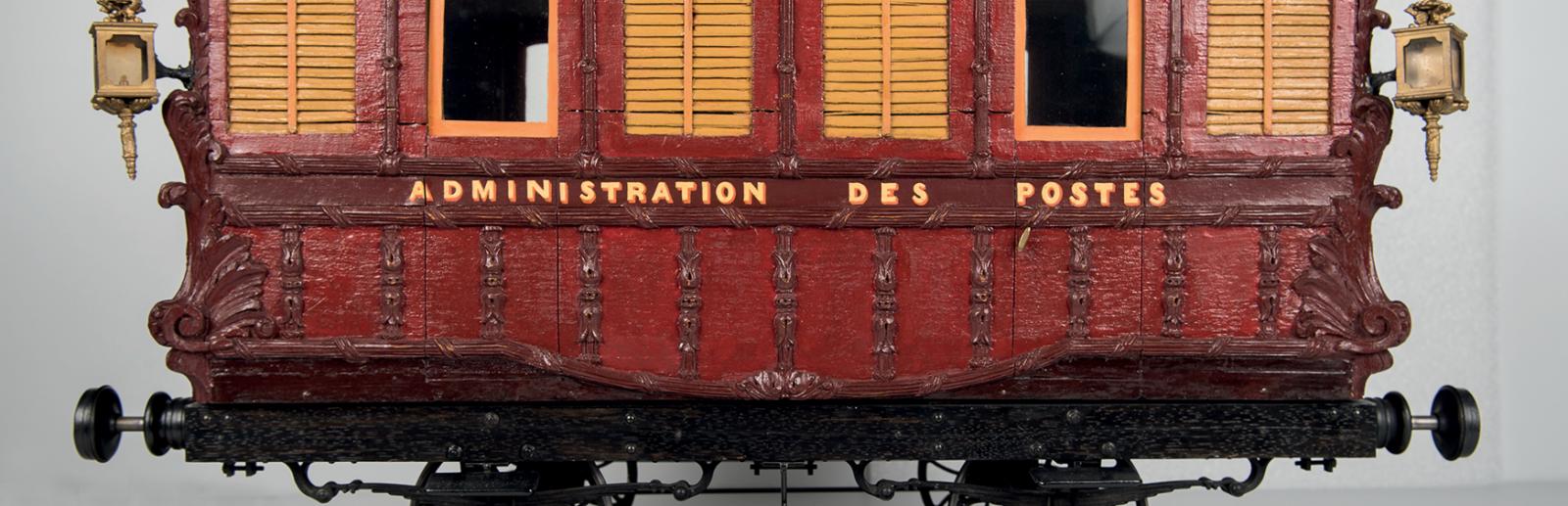 Modèle réduit du wagon-poste Paris-Rouen 1845 - Prévot, maquettiste décorateur