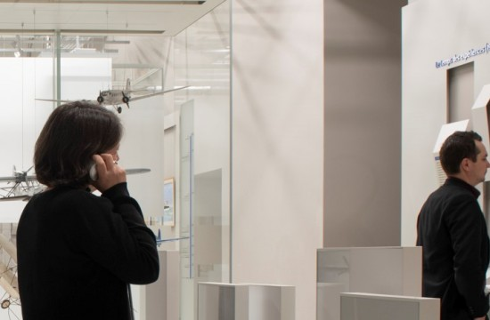 Personnes visitant les expositions