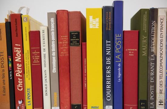 Collection d'ouvrages du Musée de La Poste