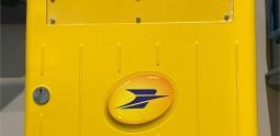 Boite au lettres jaunes